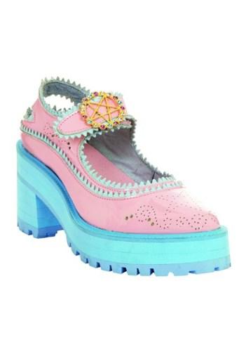 baby-blue-pink-shoe-vogue-19nov13_b_426x639
